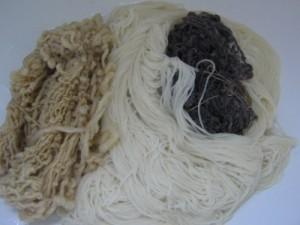 Wollstränge, natur